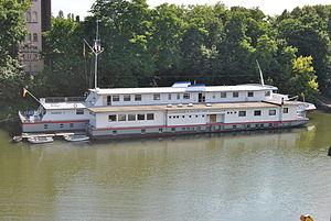 Duisburg, Schulschiff Rhein, 2012-07 CN-02.jpg