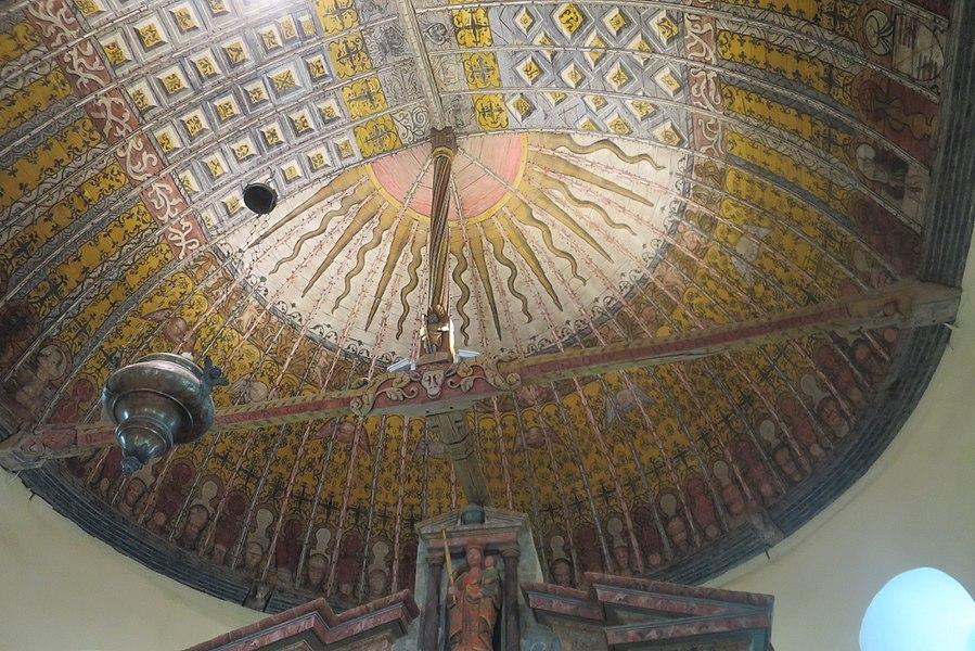 Charpente peinte de l'église Saint-Martin de La Croix-du-Perche, datée de 1537