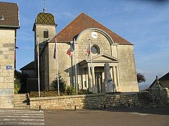 Montfaucon, Doubs - Image: Eglise de Mont Faucon 31oct 2011