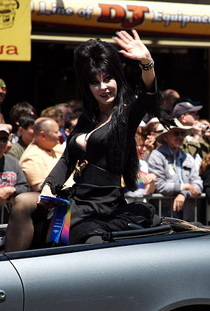 Cassandra Peterson - Peterson dressed as Elvira at the 2006 San Francisco Gay Pride parade
