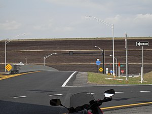 Florida State Road 414 - This wall is at the hill on SR 414 westbound before Ocoee-Apopka Road but it no longer exists.