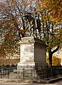 F0723 Paris IV place Vosges statue Louis XIII rwk.jpg