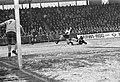 FC Twente tegen Feyenoord 1-1. Ove Kindvall scoorde 1-0, half achter keeper Schr, Bestanddeelnr 923-0565.jpg