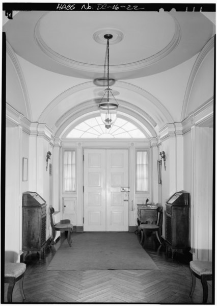 File:FIRST FLOOR, VIEW EAST TO ENTRANCE DOORWAY - Decatur House, National Trust for Historic Preservation, 748 Jackson Place Northwest, Washington, District of Columbia, DC HABS DC,WASH,28-30.tif