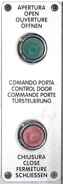 File:FS comando porta 1.jpeg