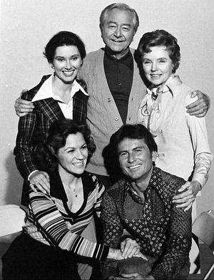 Father Knows Best - Cast photo from Father Knows Best Reunion. Standing, from left: Elinor Donahue, Robert Young and Jane Wyatt. Seated: Lauren Chapin and Billy Gray.