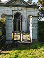 Fence.Mausoleum.Vaalsbroek.jpg