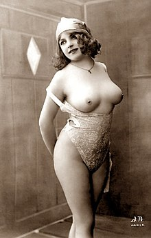 Fernande (vintage nude photo).jpg