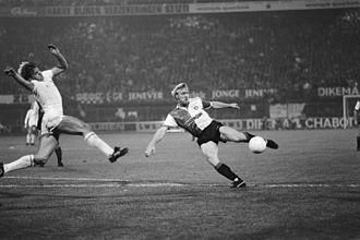 Gary Mabbutt - Gary Mabbutt (left) in a UEFA Cup tie in 1983