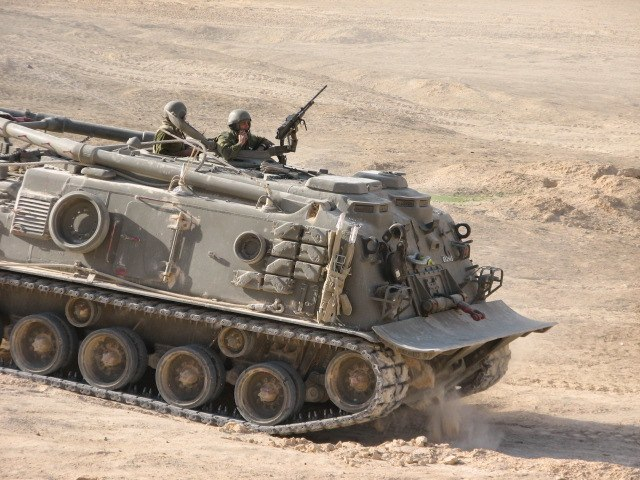 Flickr - Israel Defense Forces - Tank Evacuation Drill in the Jordan Valley (1)