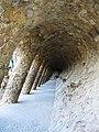 Folyósó ala Gaudi - panoramio.jpg
