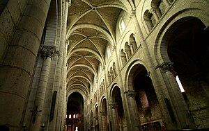 Fontgombault Abbey - Image: Fontgombault church interior