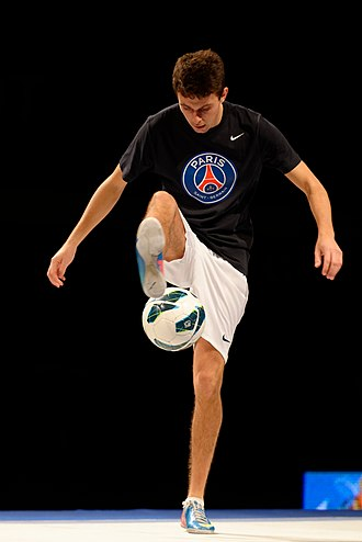 Freestyle football - Image: Football freestyle 2013 Masters epee t 163603