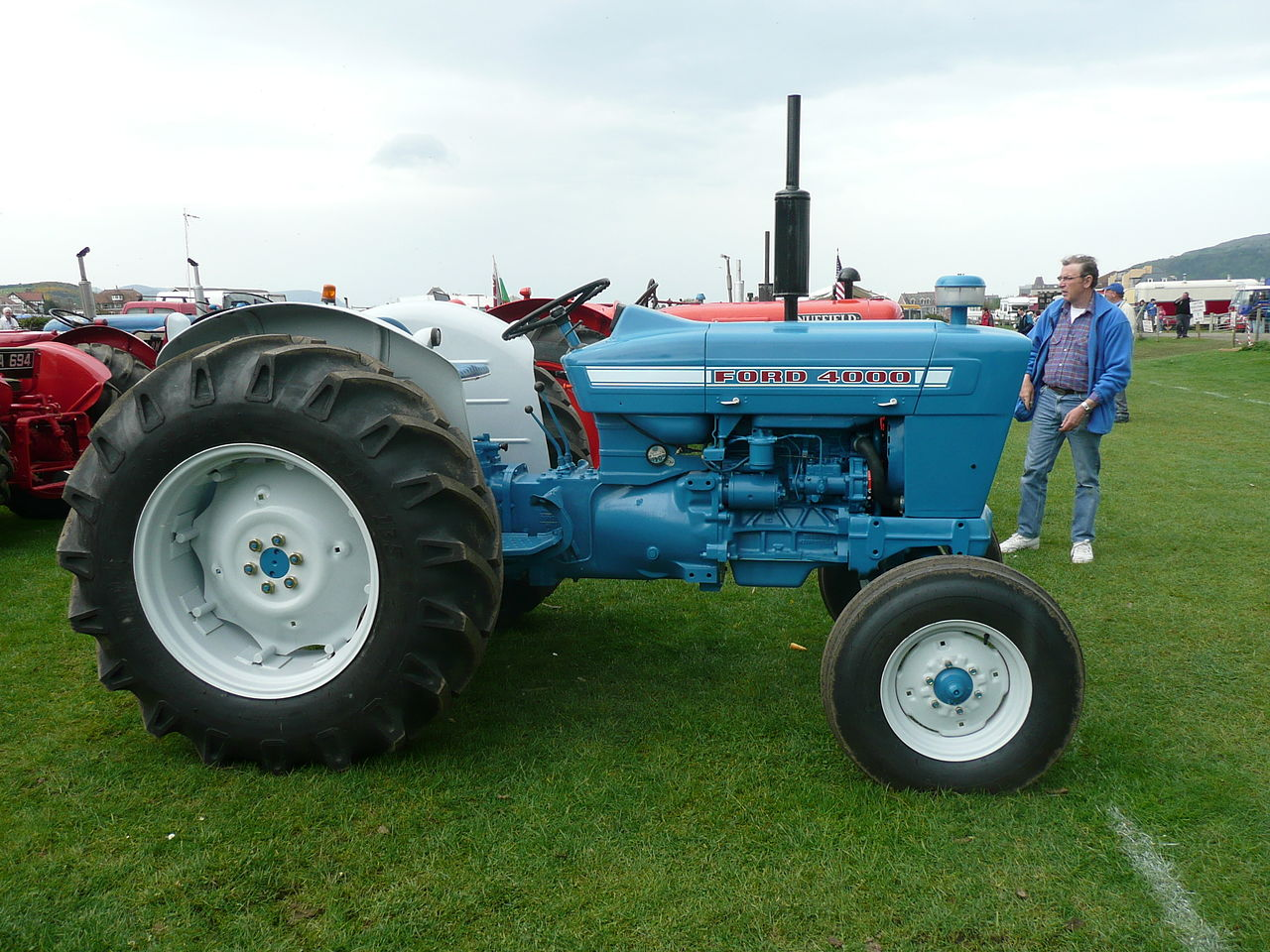 file ford 4000 tractor - flickr