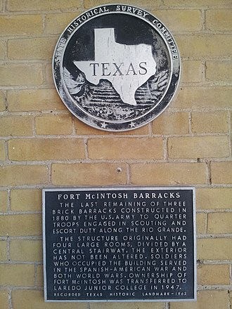 Fort McIntosh, Texas - Image: Fort Mc Intosh Texas Historical Marker 2