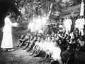 Frälsningsarméns missionärer, herr och fru Loois, ha friluftsmöte. Sulawesi, Kulawi. Indonesien - SMVK - 010760.tif