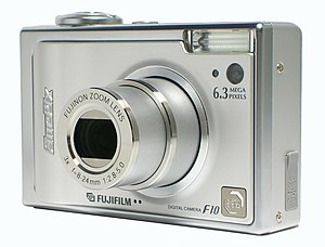 Fujifilm FinePix F-series - The Fuji FinePix F10