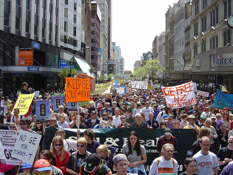 GE-free march Auckland 2003.JPG