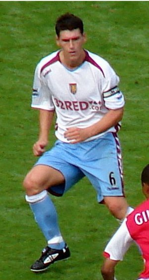 Gareth Barry - Gareth Barry playing for Aston Villa in August 2006