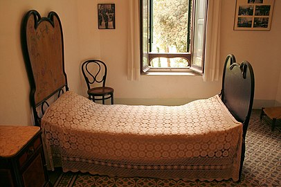 Gaudi's Bedroom in his House in Park Güell.jpg