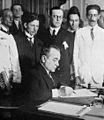 Getúlio nomeando os Ministros 03-11-1930.jpg