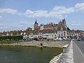 Gien-Eglise et château.jpg