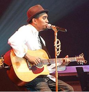 ? (film) - The singer Glenn Fredly found his character interesting, given the sensitive religious situation in Indonesia.