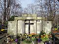 Grave of Grabski Family - 01.jpg