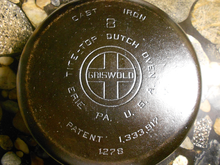 "Griswold #8 sized cast iron dutch oven bearing the Griswold ""large logo"" (1920s through early 1940s)"