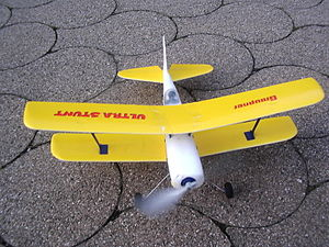 Spring-powered aircraft - A model plane driven by a rubber cord