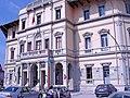 Hôtel de ville de Vlora.jpg