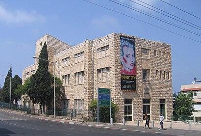 איך מגיעים באמצעות תחבורה ציבורית אל מוזיאון חיפה לאמנות? - מידע על המקום