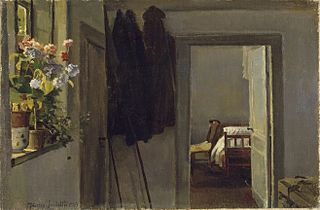 Interiør med blomster i vindueskarm
