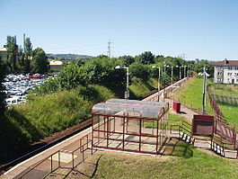 Hawkhead_railway_station_in_2005