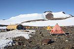 Helliwell Hills-Camp, Antarktis (24162904423).jpg
