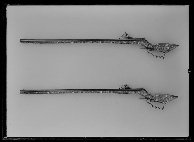 File:Hjullåslodbössa, Teschitzbössa 1600-1640, pipan möjligen av Georg Kurland - Livrustkammaren - 44785.tif