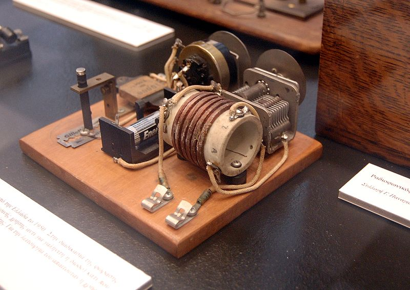 how to make a homemade radio transmitter and receiver
