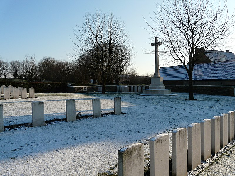 Honnechy British Cemetery, CWGC, Honnechy (Nord, France) - February 2012