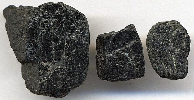 Mineral de hornblenda, un tipo de anfíbol