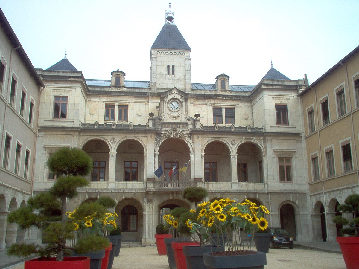 Vienne is re wikip dia for Appart hotel vienne france