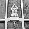 Huis met de Hoofden, hoofd naast ingangspartij rechter zijde - Amsterdam - 20018054 - RCE.jpg
