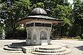 I09 568 Yunus-Emre-Brunnen.jpg