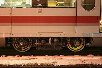 ICE S Messradsatz Mittelwagen.jpg