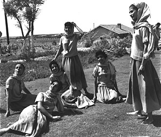 Inbal Dance Theater - Members of the Inbal Dance Theater troupe, 1956