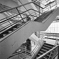 Interieur, trappenhuis met dubbele trappen - Rotterdam - 20002782 - RCE.jpg