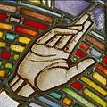 Interieur. Detail glas-in-loodraam van Toorop bij glasatelier Wiegen - Nijmegen - 20337439 - RCE.jpg