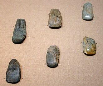 Japanese Paleolithic - Image: Japanese Polished Stone Axes