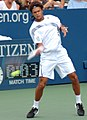 Jo-Wilfried Tsonga at the 2009 US Open 01.jpg