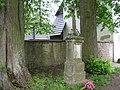 Kříž u kostela svatého Jana Křtitele v Slavoňově (Q66219026) 01.jpg