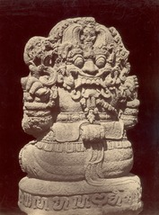 KITLV 87756 - Isidore van Kinsbergen - Rear view of a sculpture of Ganesha at Bara in Kediri - Before 1900.tif
